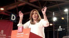 Susana Díaz, en un momento de su intervención. (Foto: Francisco Toledo / OKDIARIO)