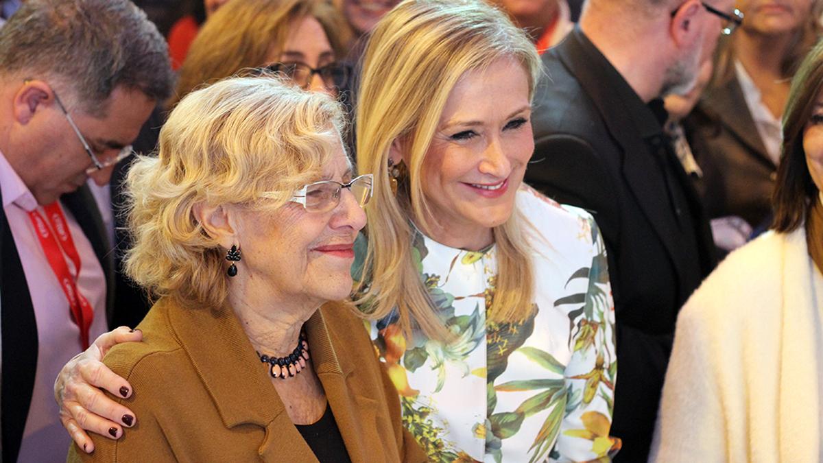 Manuela Carmena y Cristina Cifuentes. (Foto: Enrique Falcón/OKDIARIO)