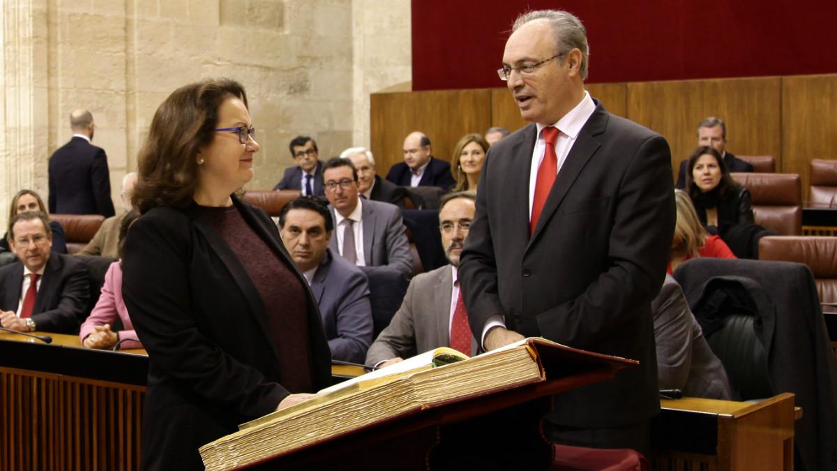 La trásfuga de Ciudadanos en Andalucía, María del Carmen Prieto, el día de su jura como diputada.