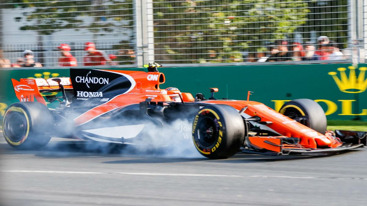 Honda está trabajando a marchas forzadas en una evolución para el motor del McLaren que podría llegar en el Gran Premio de Mónaco. (Getty)