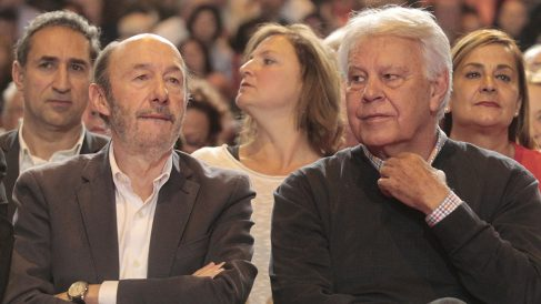 Alfredo Pérez Rubalcaba y Felipe González. (Foto: Francisco Toledo)
