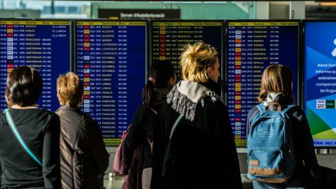 Viajeros en el aeropuerto de El Prat (Foto: GETTY).