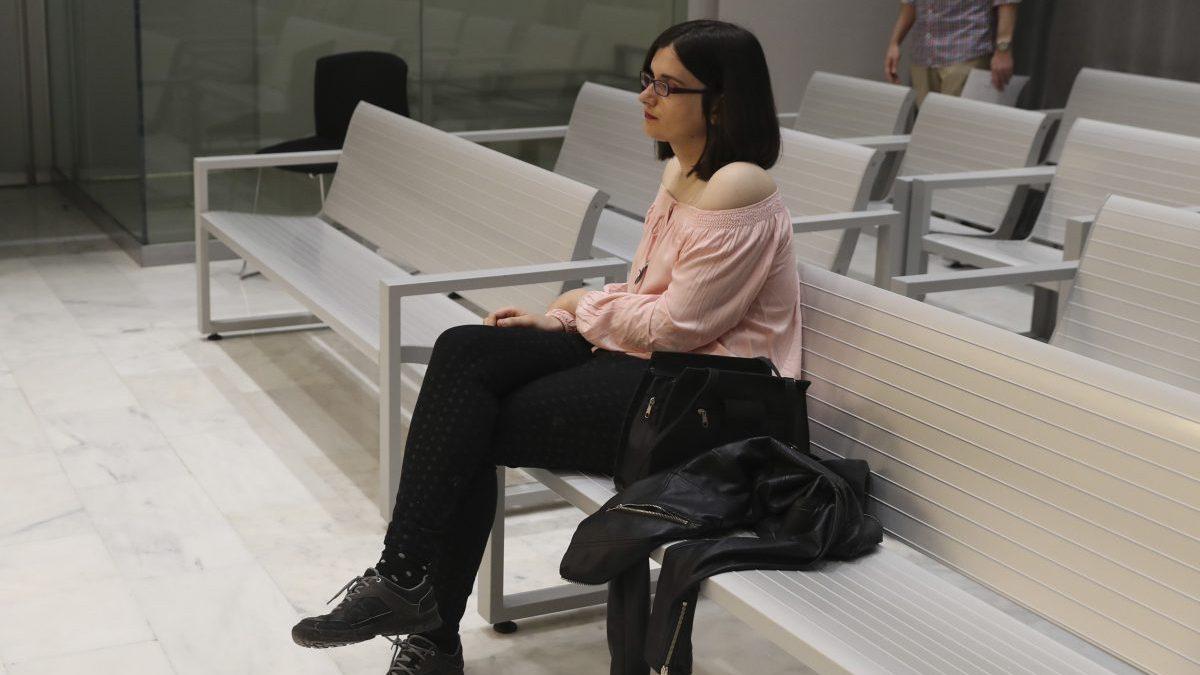 La tuitera Cassandra en la Audiencia Nacional. (Foto: EFE)