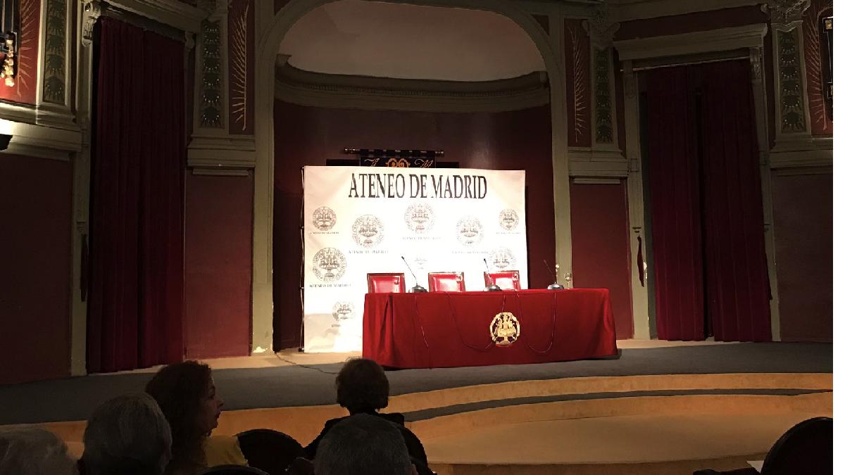 Interior del Ateneo de Madrid. (Foto: TW)