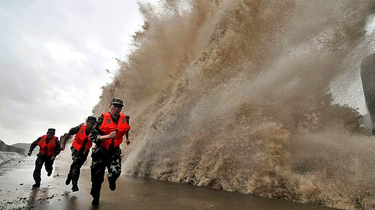 Tifón: Asia
