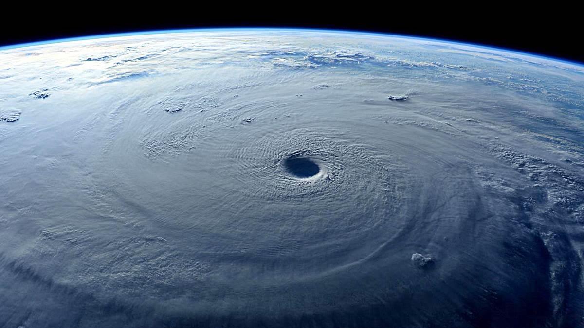 ¿Qué causa un tifón?