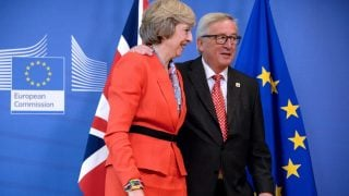 Theresa May y Jean Claude Juncker (Foto: Getty)