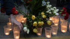 Velas y flores recuerdan a los muertos del atentado en el metro de San Petersburgo en el que al menos han muerto 11 personas (Foto:AFP)