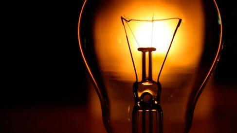 ¿Por qué los metales conducen tan bien la electricidad?
