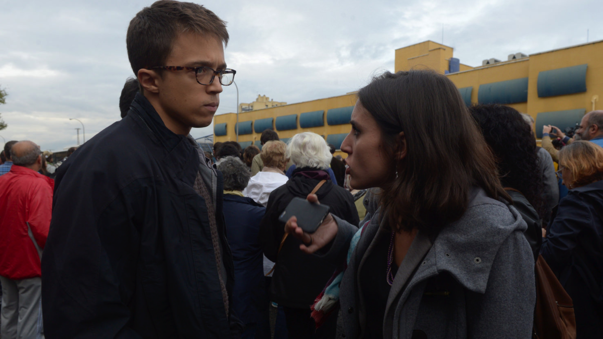 Íñigo Errejón e Irene Montero protestando frente al CIE de Aluche hace cinco meses. (Foto: Flickr)