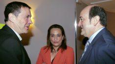 La representante del PSE, Rafaela Ortega, junto a Otegi (Bildu) y Ortuzar (PNV) en una imagen de archivo. (EFE)