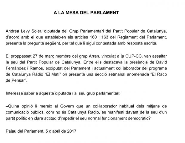 Uno de los asaltantes de la CUP a la sede del PP tiene su propia sección en la radio pública catalana