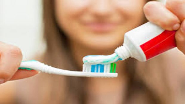 experimentos caseros: pasta de dientes