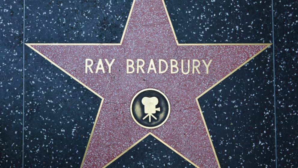 10 frases de Ray Bradbury sobre la vida y la ficción