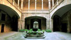 Patio central de la sede del Archivo de la Corona de Aragón, en Barcelona.