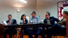 Bosco Labrado (C's), Mereces González (PSOE), el moderador, José Manuel Calvo (Ahora Madrid) y José Luis M. Almeida.
