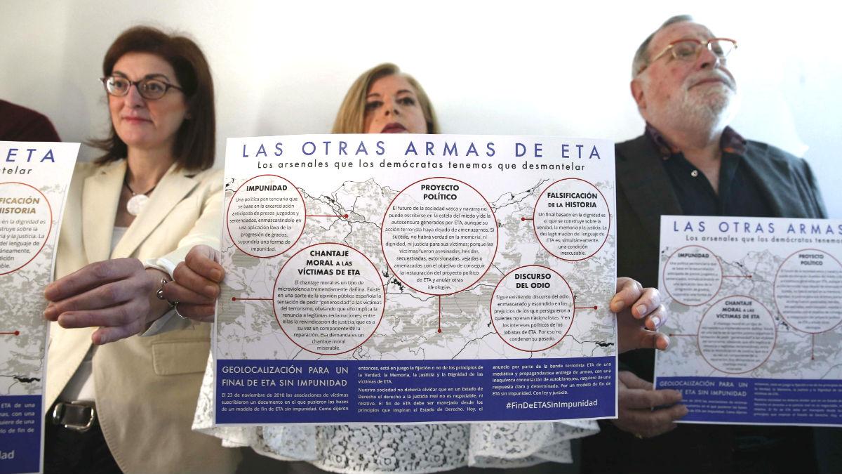 Un grupo de víctimas de ETA