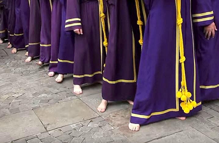 Semana Santa 2017: Podólogos gallegos aconsejan a los portadores de pasos