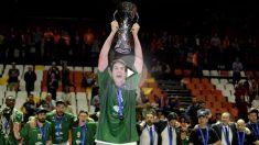 Carlos Suárez levanta su primera Eurocup. (AFP)