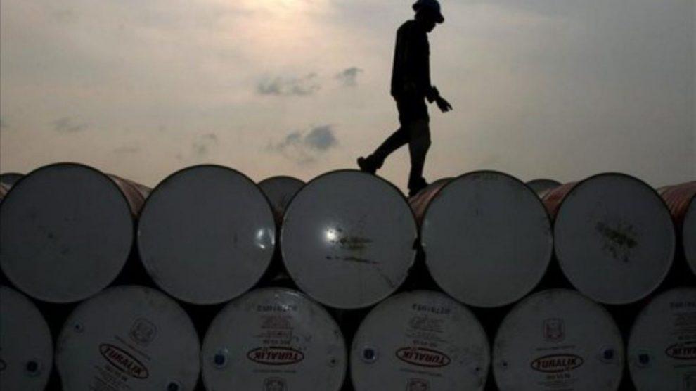 El precio del crudo remonta un 450% desde marzo pero el mercado es escéptico por la falta de demanda