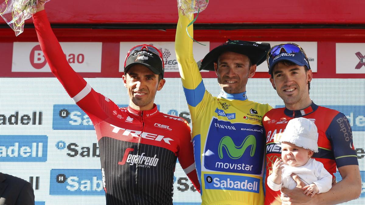 Valverde, junto a Contador e Izaguirre, en el podio final de la Vuelta al País Vasco. (EFE)