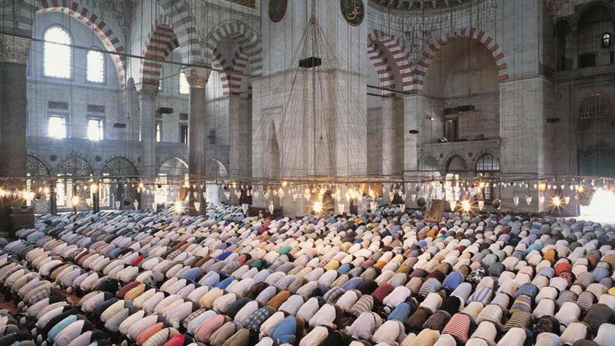Musulmanes rezando.