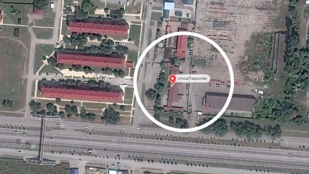 Las antiguas instalaciones militares que estarían siendo usadas como campo de concentración para gays en Argún (Chechenia). Foto: Maps / Nóvaya Gazeta
