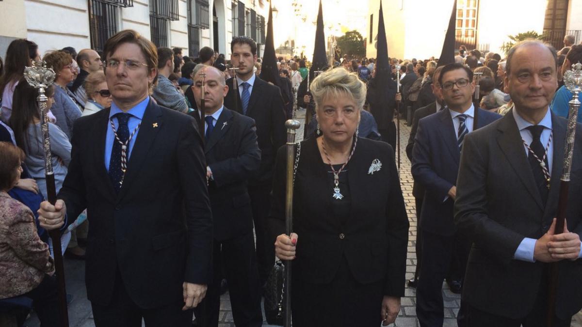 Concejales del PP en una procesión en Madrid. (Foto: TW)
