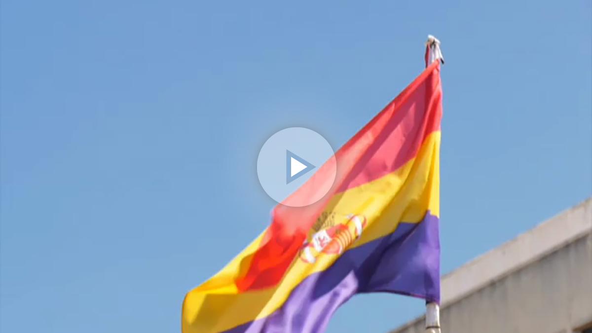 Un juez suspende que el Ayuntamiento de Pamplona ondee la bandera republicana el 14 de abril