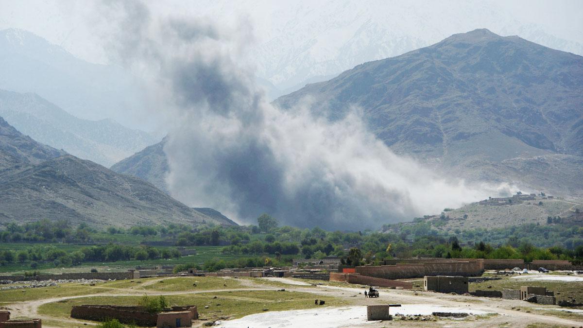 Imagen de un ataque aéreo sobre Afganistán (Foto: AFP)