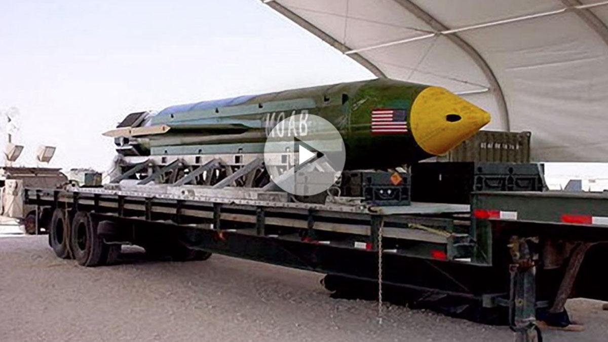 Bomba GBU-43 MOAB lanzada en Afganistán.