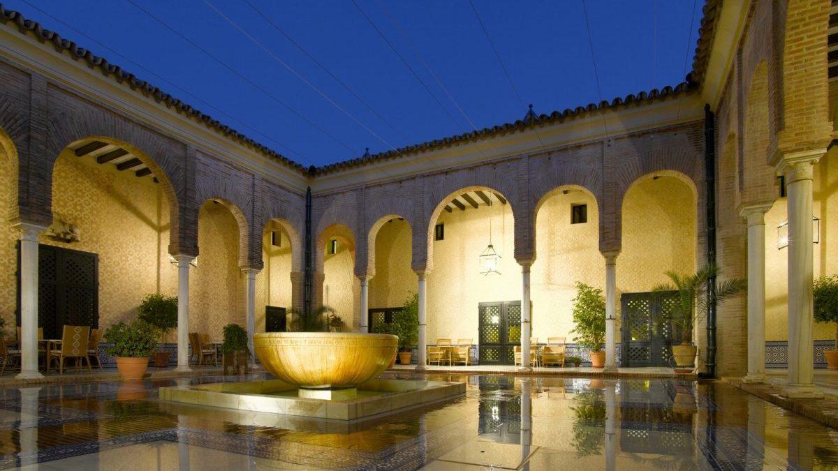 Paradores bate al sector hotelero español: lideró la demanda del mes de julio con una ocupación del 70%