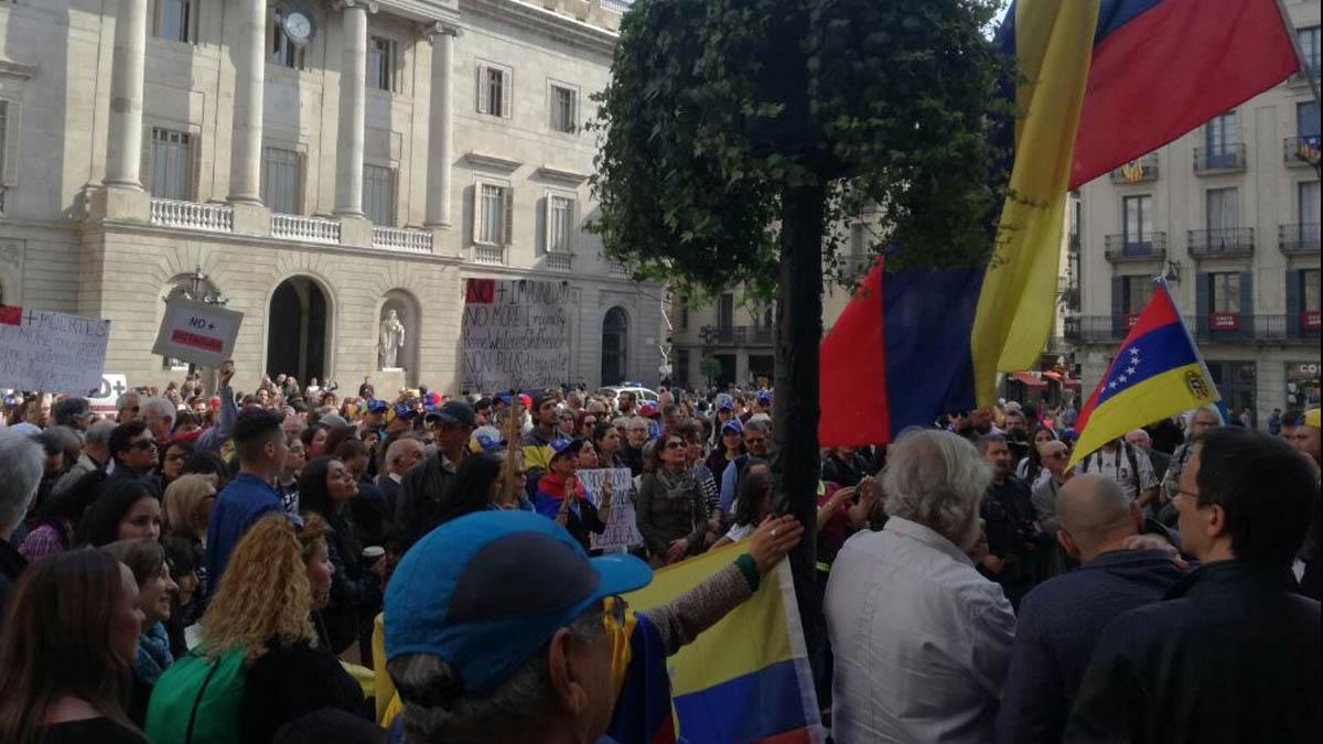 Protestas en Barcelona contra la dictadura de Maduro en Venezuela.