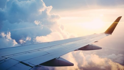 Conoce cosas que te pueden pasar al viajar en avión