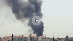 Columna de humo en el lugar del siniestro. Foto: Twitter (@Ninaaw_  )