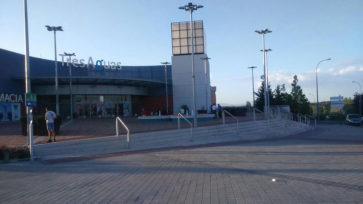 Centro comercial Tres Aguas, Alcorcón. (Foto: OKDIARIO)