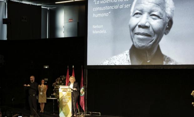 Los venezolanos se quedan sin espacio en el Foro de la Paz de Carmena