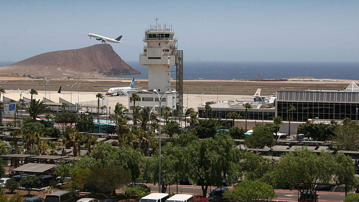 Aeroporto Tenerife Sud : El psoe gastó 27 millones en una terminal del aeropuerto tenerife