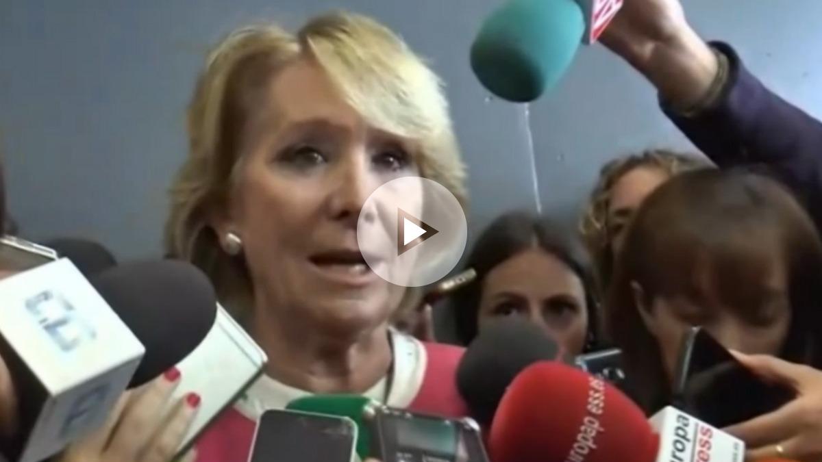 Esperanza Aguirre atendiendo a los medios a su salida del juicio Gürtel, donde ha tenido que testificar.