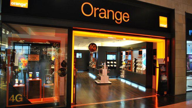 Orange se apunta a la banca en la sombra