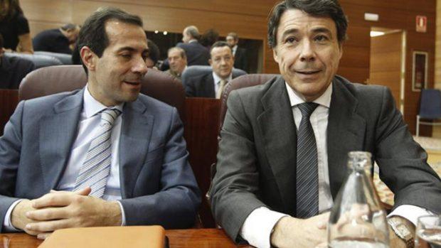 Salvador Victoria e Ignacio González en la Asamblea de Madrid.