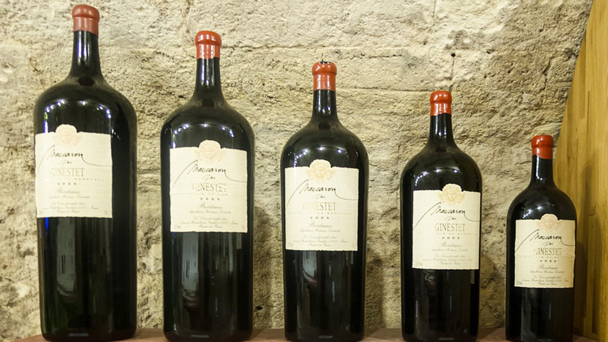 Botella Magnum de vino, entre otros tamaños