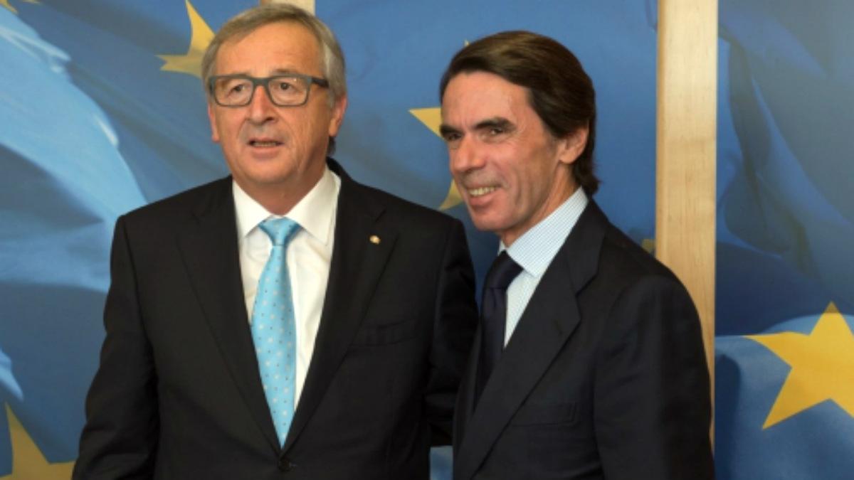 el presidente de la Comisión europea, Jean-Claude Juncker, y el ex presidente español José María Aznar.
