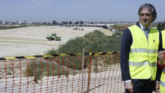 De la Serna defiende que las detenciones de empresarios de la construcción no minan el prestigio de la obra pública