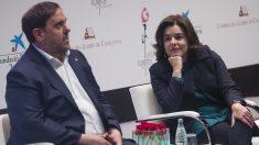 La vicepresidenta del Gobierno, Soraya Sáenz de Santamaría, y el vicepresidente de la Generalitat, Oriol Junqueras. EFE