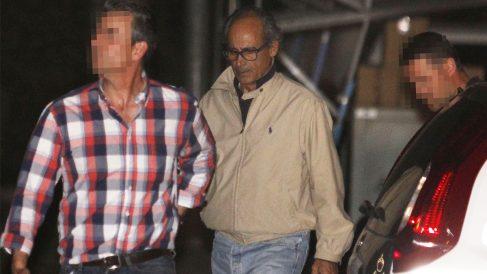 Edmundo Rodríguez Sobrino, tras ser detenido por la Guardia Civil. (Foto: EFE)