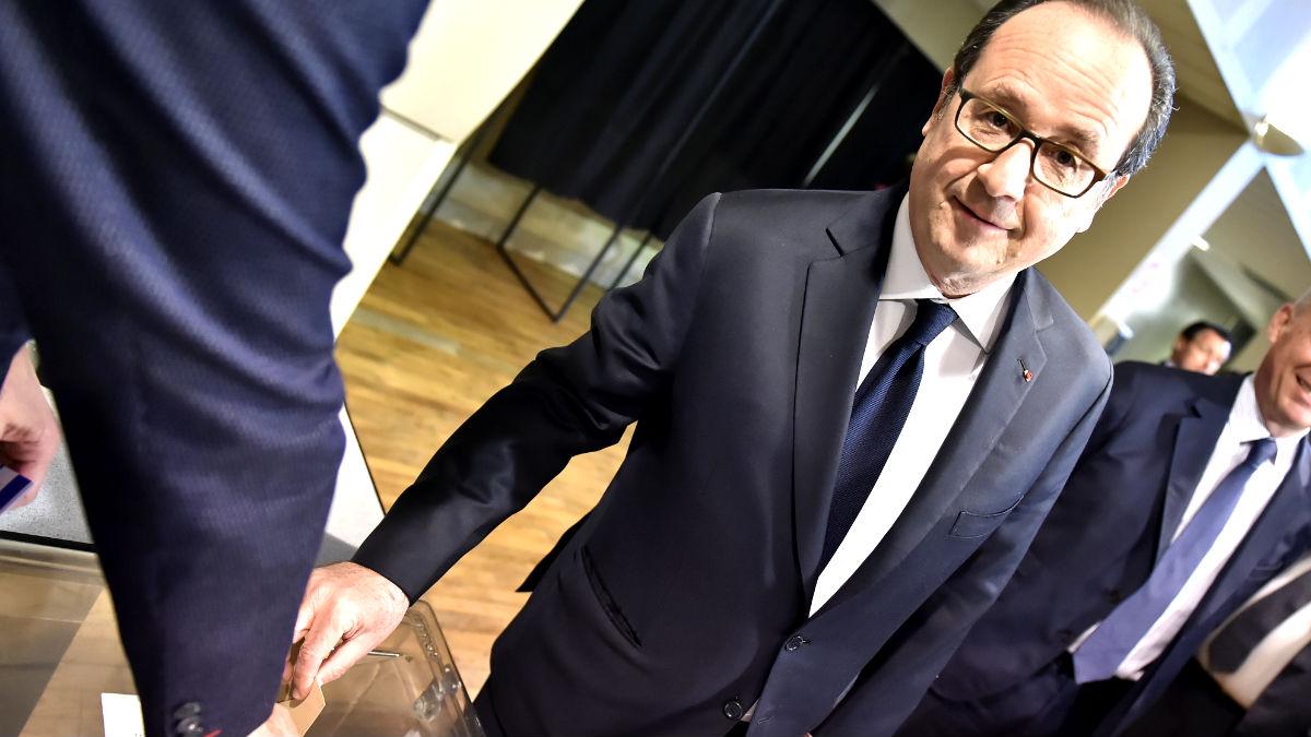 François Hollande votando este domingo (Foto: AFP).
