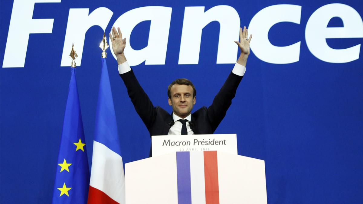Macron celebra llegar a la segunda vuelta en las elecciones (Foto: AFP)
