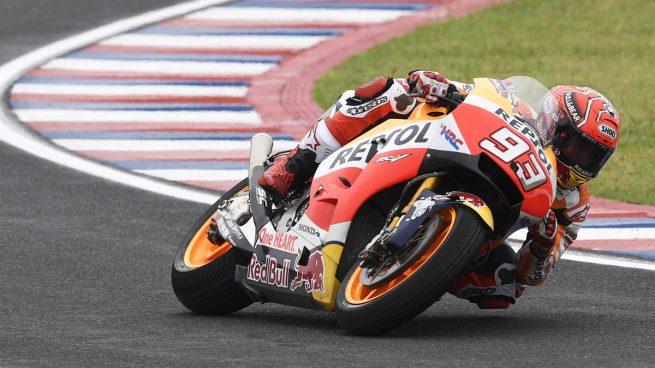 Márquez gana en Austin y Rossi se alza al liderato del mundial en MotoGP