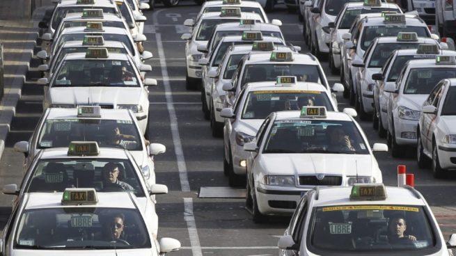"""Taxistas: """"Uber multiplica por cuatro su precio cuando hay atentados"""""""